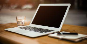 Das Online-Vorstellungsgespräch kennt eigene Regeln, die beachtet werden sollen.