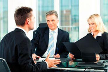 Soll ich nachfragen wer alles am Vorstellungsgespräch teilnimmt - Informieren Sie sich welche Funktionen Ihre Gesprächspartner ausüben - suedoschweizjobs.ch